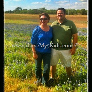 David and Lana in bluebonnets @loving5kids