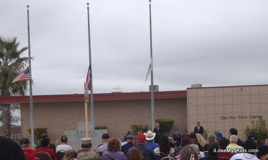 Del Rio honors their Vets